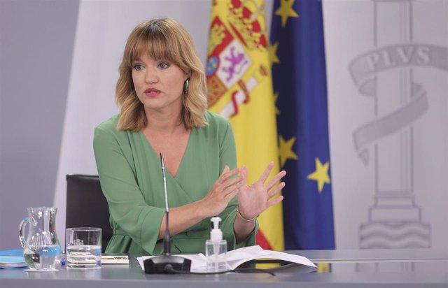 La ministra de Educación y FP, Pilar Alegría, en la rueda de prensa posterior al primer Consejo de Ministros tras la remodelación del Gobierno, este martes 13 de julio en Madrid