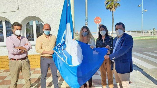 La delegada de la Junta en Cádiz, Ana Mestre, junto a la delegada territorial de Turismo, María Jesús Herencia, y el alcalde de El Puerto de Santa María, Germán Beardo.
