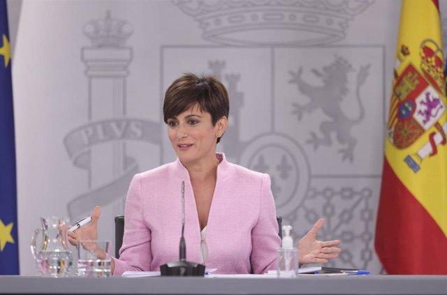La ministra Portavoz y ministra de Política Territorial, Isabel Rodríguez, comparece en la rueda de prensa posterior al primer Consejo de Ministros tras la remodelación del Gobierno, a 13 de julio de 2021, en Madrid (España)