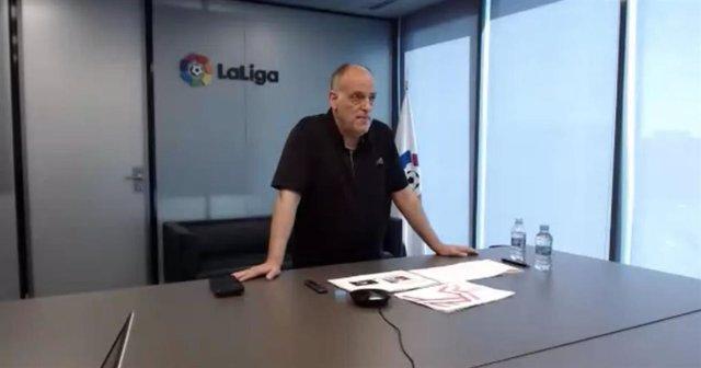 El presidente de la Liga Nacional de Fútbol Profesional, Javier Tebas en la celebración del 'Curso de gestión deportiva 360° aplicada al fútbol', en los Cursos de Verano de la UPO en Carmona (Sevilla)
