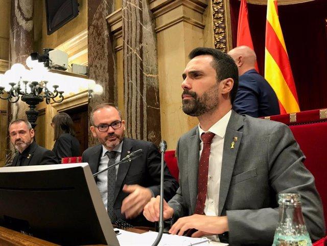 Archivo - Eusebi Campdepadrós, Josep Costa, Roger Torrent (Mesa del Parlament)