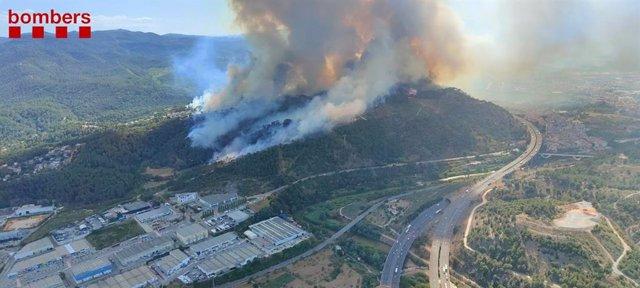 Imatge aèria de l'incendi a Castellví de Rosanes