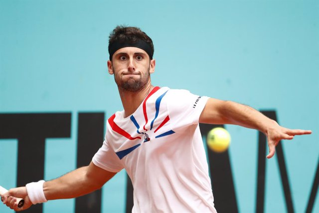Archivo - Carlos Taberner of Spain in action during his Men's Singles match, round of 64, against Fabio Fognini of Italy on the ATP Masters 1000 - Mutua Madrid Open 2021 at La Caja Magica on May 3, 2021 in Madrid, Spain.