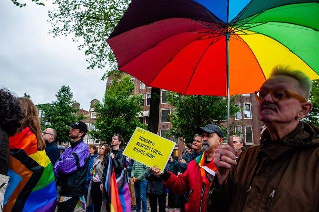Protesta contra la nueva ley de Hungría contra la comunidad LGTBI.