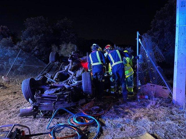 Servicios de emergencia actuando en el accidente