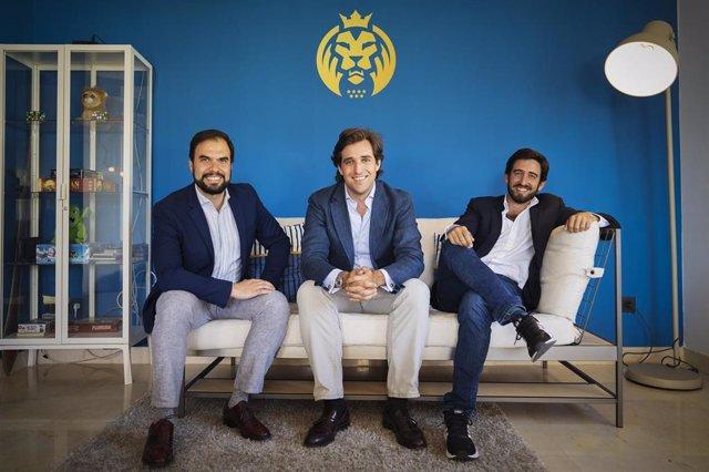 Pedro Belaunzarán, director de patrocinios de MAD Lions,   Jorge Schnura, cofundador y presidente de MAD Lions y vicepresidente de OverActive, Ricardo Gómez-Acebo, director financiero.
