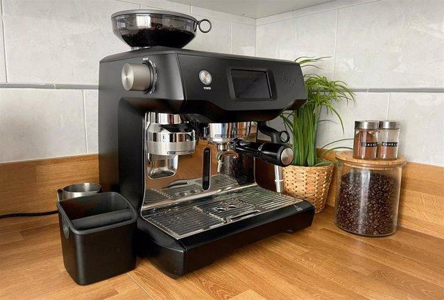 La cafetera para el hogar The Oracle Touch