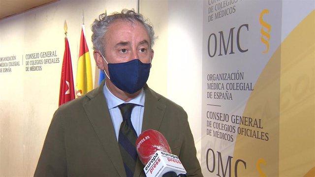 Archivo - Presidente del Consejo General de Colegios Oficiales de Médicos, Tomás Cobo