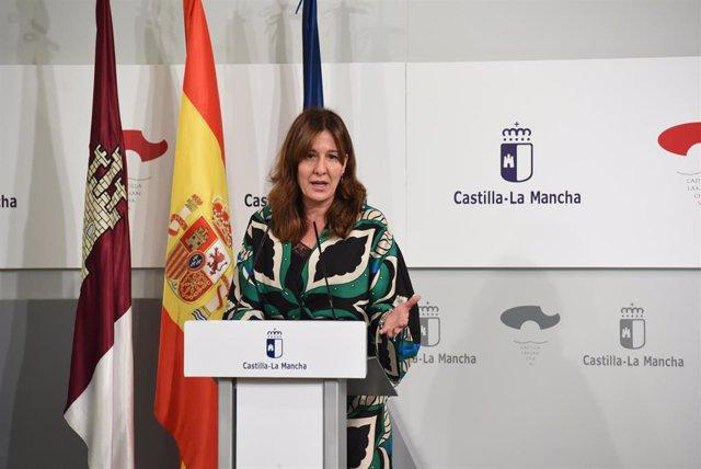 La portavoz del Gobierno de Castilla-La Mancha, Blanca Fernández,