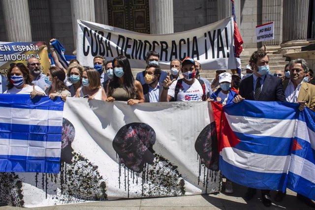 a vicealcaldesa de Madrid, Begoña Villacís durante una concentración en las inmediaciones del Congreso de los Diputados en apoyo a las movilizaciones contra el Gobierno cubano en una imagen de archivo