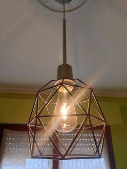Archivo - Luz, electricidad.