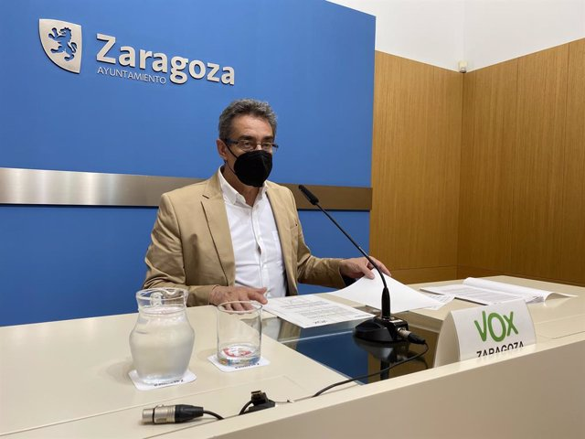 El portavoz municipal de VOX en Zaragoza, Julio Calvo.