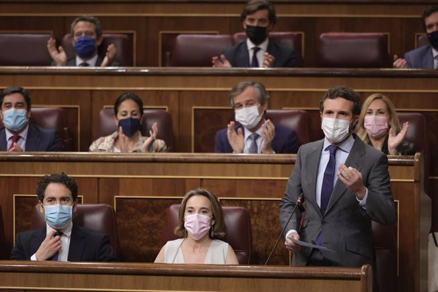 El líder del PP, Pablo Casado, interviene en una sesión de control al Gobierno en el Congreso de los Diputados, a 23 de junio de 2021, en Madrid, (España). El pleno de este martes gira en torno a los indultos a los presos del 'procès' recién aprobados, el