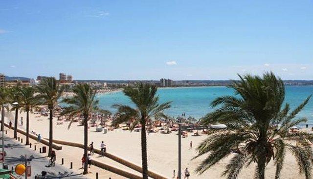 Archivo - Imagen de una playa de Palma de Mallorca