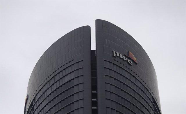 Archivo - Torre de PwC en España, en Madrid (España), a 22 de febrero de 2021.