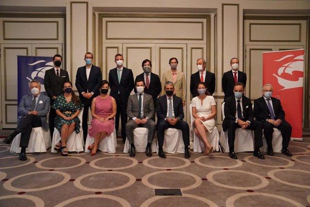 El presidente de la Junta de Andalucía, Juanma Moreno, durante su reunión, este miércoles, en Madrid con la Cámara de Comercio de EEUU en España (American Chamber of Commerce in Spain-AmChamSpain