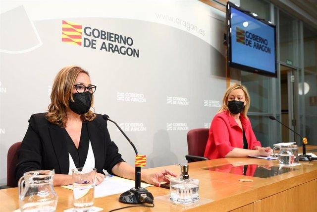 Las consejeras Mayte Pérez y Marta Gastón en la rueda de prensa posterior al Consejo de Gobierno