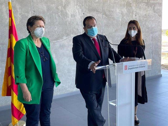 El conseller de Interior, Joan Ignasi Elena, en la sede del 112 en Reus (Tarragona) el 14 de julio de 2021.