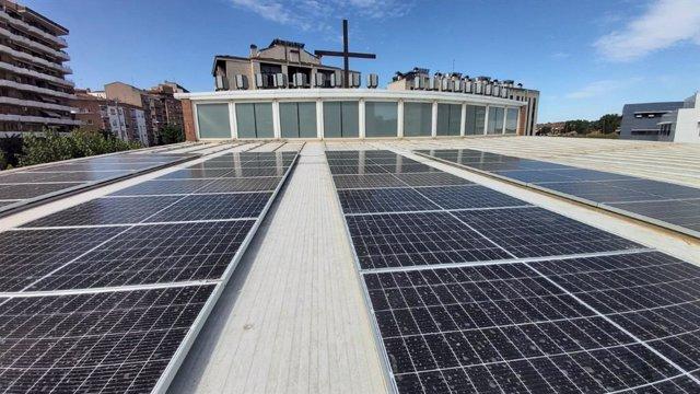 Paneles solares de la parroquia del Pilar de Lleida.