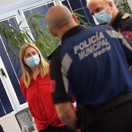 La concejala delegada de Seguridad y Emergencias del Ayuntamiento de Madrid, Inmaculada Sanz, vistia la comisaría de la Policía Municipal de Madrid la plaza de la Luna, que estrena renovadas instalaciones