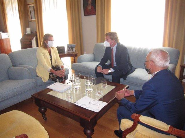 La delegada del Gobierno en Extremadura, Yolanda García Seco, y el alcalde de Badajoz, Ignacio Gragera