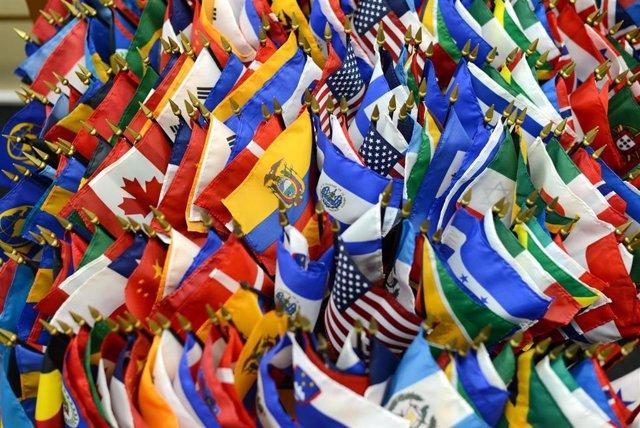 Archivo - Banderas de países latinoamericanos