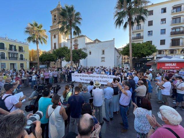 Concentración en la plaza Alta de Algeciras en apoyo a Vigilancia Aduanera