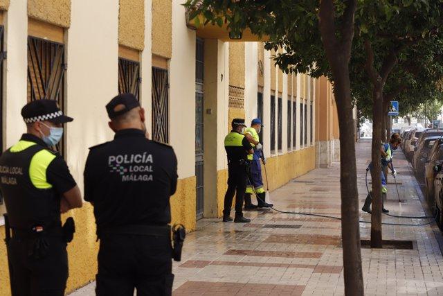Una mujer de 46 años ha sido asesinada en plena calle en Málaga por arma de fuego, presuntamente por su pareja sentimental, que después se ha disparado a sí mismo, a 15 de julio del 2021 en Málaga (Andalucía)