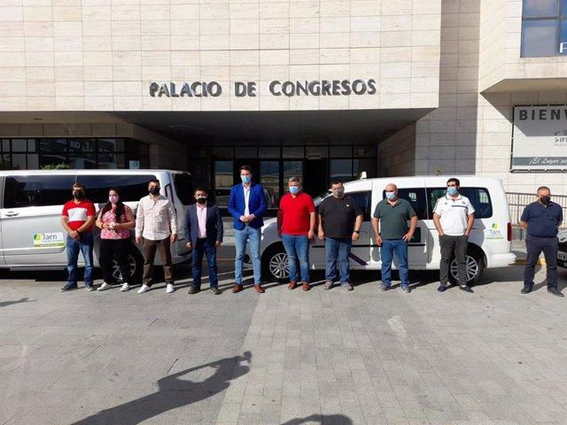 Presentación de la promoción de 'Jaén, paraíso interior' en taxis.