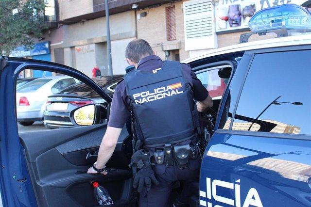Imagen de un agente de Policía Nacional