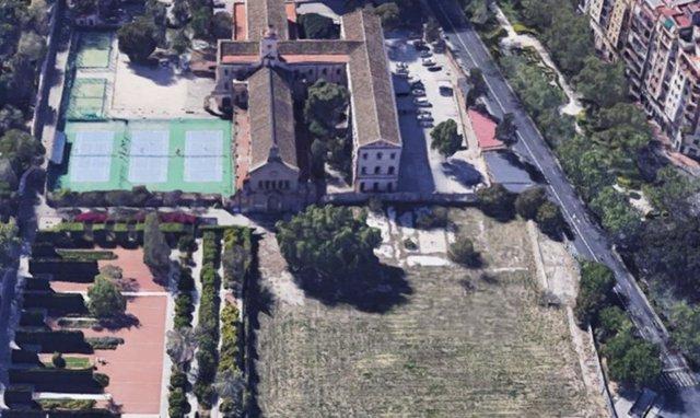 Imagen del conocido como solar de Jesuitas de València en el que se creará el nuevo jardín Trini Simó, junto al Botánico y el de Las Hespérides.