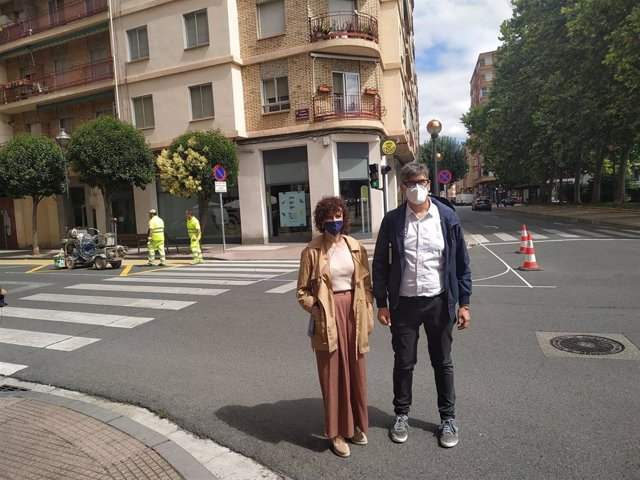 Los concejales del Grupo Municipal Popular en el Ayuntamiento de Logroño, Celia Sanz y Antonio Ruiz