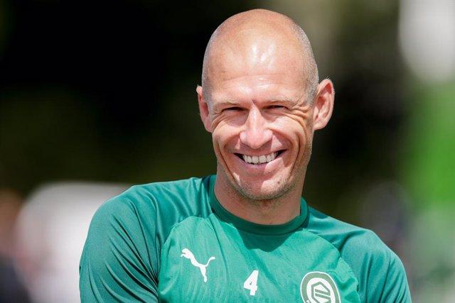 Archivo - GRONINGEN, 20-07-2020,  First training FC Groningen TopsportZorgCentrum. Arjen Robben