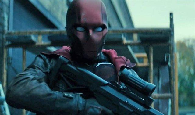 Tráiler de la temporada 3 de Titans con Batman retirado y el origen de Red Hood