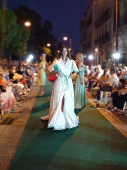 Desfile en la calle Betis
