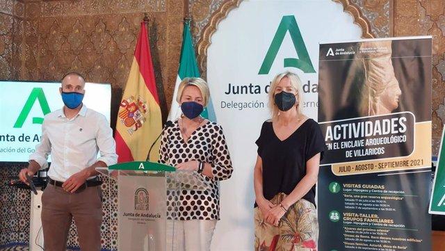 Presentación de la oferta de visitas y talleres en el yacimiento de Villaricos, en Almería