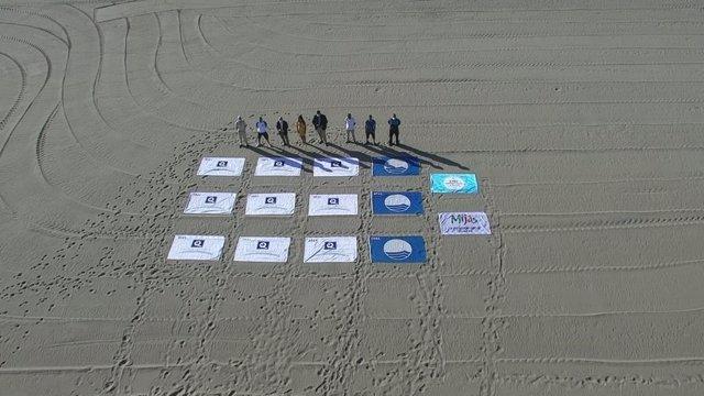 Banderas azules de Mijas a vista de dron