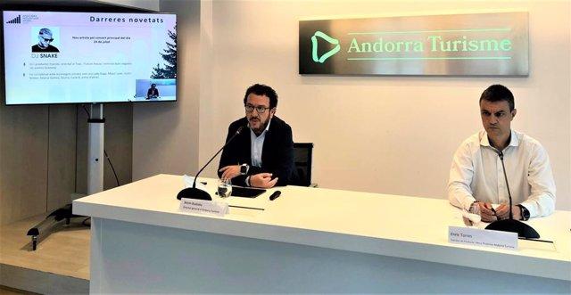 Betim Budzaku y Enric Torres, de Andorra Turisme, anunciando el cambio en el cartel del Andorra Mountain Music.