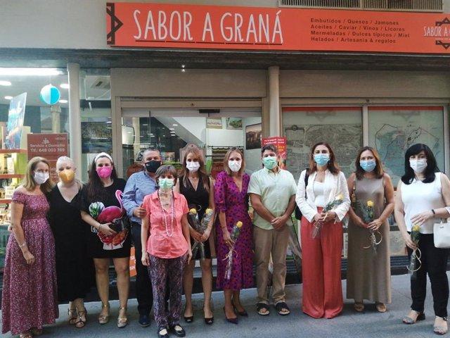 Junta presenta a los centros comerciales abiertos de Granada ayudas para la recuperación del pequeño comercio y artesanía