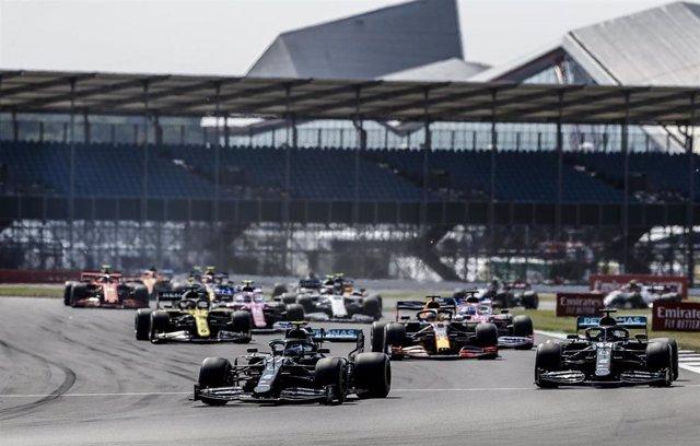Archivo - Salida del GP Gran Bretaña 2020