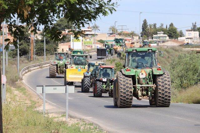 Archivo - Arxiu - Imatge de recurs d'uns quants tractors