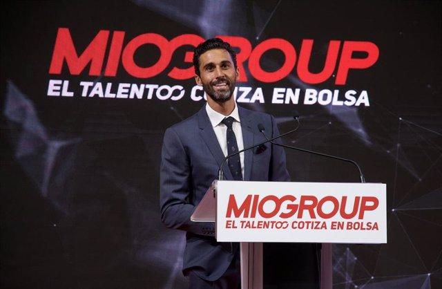 El exfutbolista del Real Madrid entre otros y socio de Miogroup, Álvaro Arbeloa, durante la salida a bolsa de MioGroup, que cotiza en BME Growth desde este jueves 15 de junio.