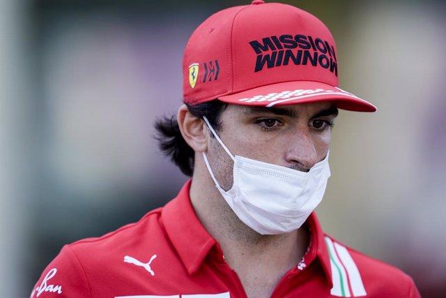 Archivo - 03 June 2021, Azerbaijan, Baku: Spanish F1 driver Carlos Sainz JR of Scuderia Ferrari is seen during preparations for the Grand Prix of Azerbaijan at the Baku City Circuit. Photo: James Gasperotti/ZUMA Wire/dpa