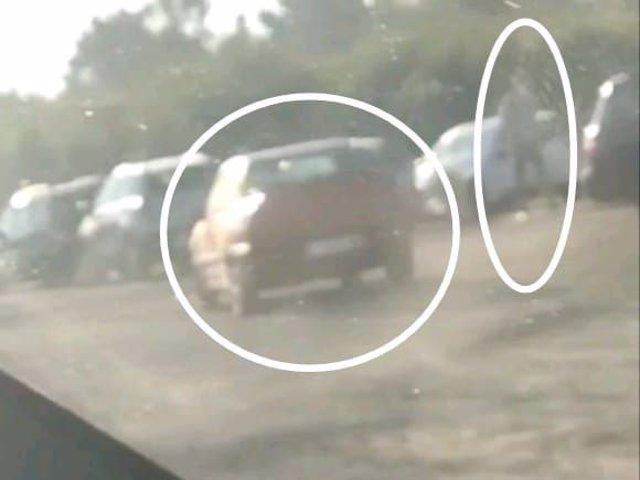 La Policía Local de Lugo denuncia a un joven por conducción temeraria y a su padre por grabarlo con un móvil.