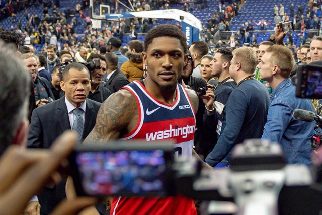 Archivo - Washington Wizards Bradley Beal (3) walks off after the game during the NBA London Game Basketball match between Washington Wizards and New York Knicks on January 17, 2019 at the O2 Arena in London, United Kingdom - Photo Martin Cole / ProSports