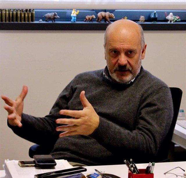 Archivo - El biólogo, Piero Crespo, en su despacho del IBBTEC-CSIC.