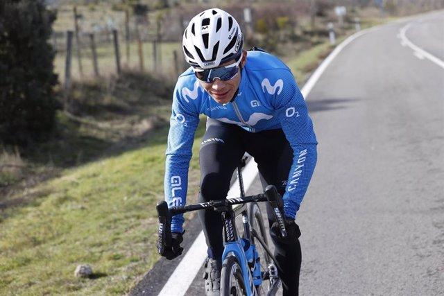 Archivo - El ciclista colombiano Miguel Ángel López en un entrenamiento con el Movistar Team