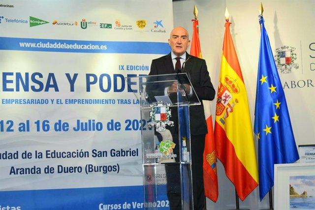 Carnero en su intervención en la IX Edición del Curso Universitario de Verano Prensa y Poder 'La España del empresariado y emprendimiento tras la pandemia'