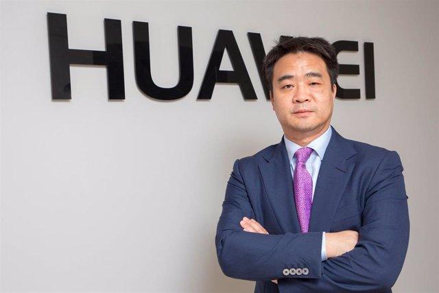 Archivo - El consejero delegado de Huawei Technologies España, Eric Li