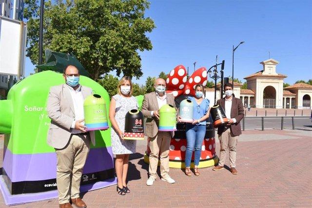 Contenedores Disney en Albacete para reciclar.